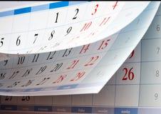 Zwei Blätter Kalender mit schwarzen Zahlen Lizenzfreies Stockfoto
