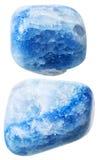 Zwei Blau farbige Achatedelsteine lokalisiert Lizenzfreies Stockfoto