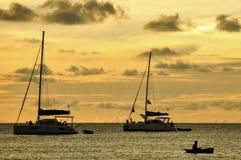 Zwei Boote auf dem Meer Stockbild