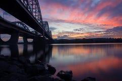 Zwei Brücken über dem Dnipro-Fluss Stockfotografie