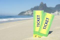 Zwei Brasilien-Karten im Sand Ipanema-Strand Rio lizenzfreie stockfotos