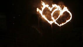 Zwei brennende Herzen stock footage