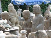 Zwei Buddha-Statuen - Antikmarkt Pekings Panjiayuan Lizenzfreie Stockfotografie