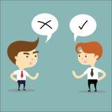 Zwei denkende Gegenteile des Geschäftsmannes mit rechtem und falschem Zeichen vec Stockfotos