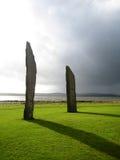 Zwei der stehenden Steine von Stenness (Schottland) Lizenzfreies Stockbild