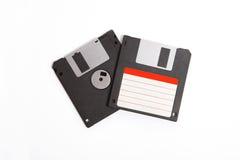 Zwei Disketten mit leerem Aufkleber auf weißem Hintergrund Lizenzfreie Stockfotografie