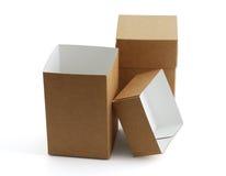 Zwei einfache Kartonkästen Stockbilder
