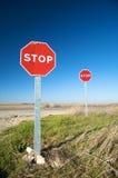 Zwei Endverkehrszeichen Lizenzfreie Stockfotografie