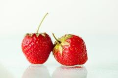 Zwei Erdbeeren Stockbilder