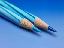 Zwei Farbenbleistifte Lizenzfreies Stockfoto