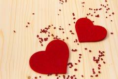 Zwei Filz-Herzen Lizenzfreies Stockfoto