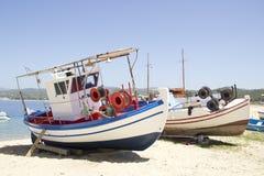 Zwei Fischerboote lizenzfreie stockbilder