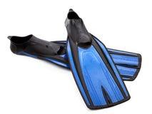 Zwei Flipper für das Tauchen mit Wassertropfen Lizenzfreie Stockfotos