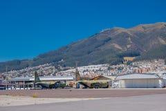 Zwei Flugzeuge, die mitten in dem Park, dieser Raum verlassen wurden, verwendeten, um ein Flughafen zu sein Lizenzfreies Stockfoto