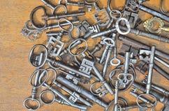 Zwei französische Nachtklinken-Schlüssel Lizenzfreies Stockfoto
