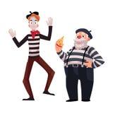 Zwei französische Pantomimen, jung und alt, in den traditionellen Kostümen Stockfotos