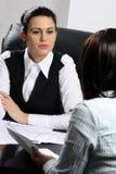 Zwei Geschäftsfrauen Lizenzfreie Stockbilder