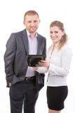 Zwei Geschäftsleute mit Tablette-Computer Stockfotos