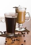 Zwei Gläser Kaffee Stockfotos