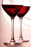 Zwei Gläser Rotwein Stockbilder