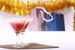 Zwei Gläser u. Abendparty Lizenzfreie Stockfotos