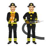 Zwei glückliche Feuerwehrmänner, die Schlauch halten arbeiten und netten Hund rettend stock abbildung