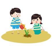 Zwei glückliche Kinder, die Anlagen wässern und pflanzen stock abbildung