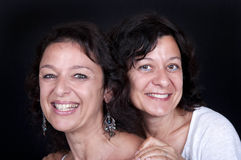 Zwei glückliche Schwestern reifen Lizenzfreie Stockbilder