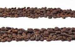 Zwei Gruppe Röstkaffeebohnen Lizenzfreies Stockfoto
