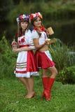 Zwei gut gekleidet Mädchen Lizenzfreie Stockbilder