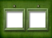 Zwei hölzerne Rahmen für Porträtmalerei Stockbilder
