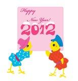 Zwei Hühner mit einer Karte für neues Jahr. Stockfotografie
