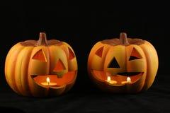 Zwei Halloween Pumkins Lizenzfreies Stockfoto