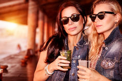 Zwei herrliche Frauen Lizenzfreies Stockfoto