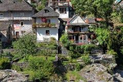 Häuser in Tessin, die Schweiz Stockfotografie