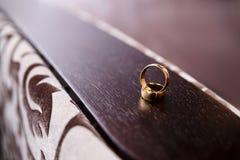 Zwei Hochzeits-Ringe Stockfotografie