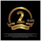 Zwei Jahre Jahrestag golden Jahrestagsschablonenentwurf für Netz, Spiel, kreatives Plakat, Broschüre, Broschüre, Flieger, Zeitsch stock abbildung