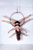 Zwei junge Frauen auf Ring lizenzfreie stockfotos