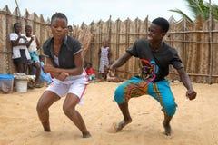 Zwei junge Tänzer in Accra, Ghana Stockfotos