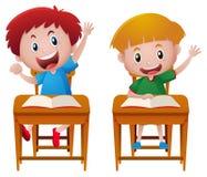 Zwei Jungen im Klassenzimmer Lizenzfreie Stockfotografie