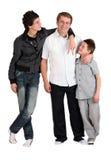 Zwei Jungen mit Vati lizenzfreie stockfotos