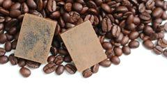 Zwei Kaffeeseifen scheuern sich stockfotos