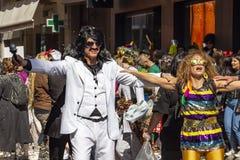 Zwei Karnevalsparadeteilnehmer an Xanthi, nordöstliches Griechenland stockbild