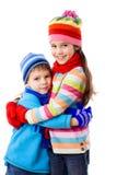 Zwei Kinder in der Winterkleidung Stockfotografie