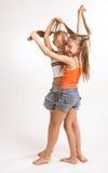 Zwei kleine blonde Mädchen Stockfoto