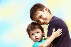 Zwei kleine Kinder stockbilder