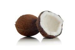 Kokosnüsse auf weißem Hintergrund Stockbilder
