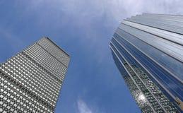 Zwei Kontrolltürme Stockfotografie