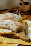 Zwei Laibe Brot lizenzfreies stockbild