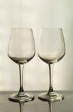 Zwei leere Gläser Stockfotos